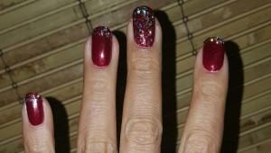 holiday manicure 1
