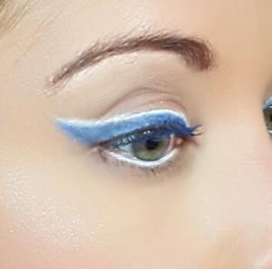 NARS blue wing 5
