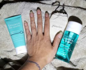 Exuviance hand 4