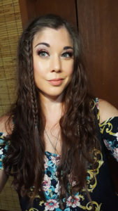 I used the new Kenra Grip collection to get a natural look that lasted all day, even through the humidity and rain!