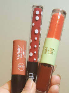 J. Cat Cash Money, DLS Rust, and Pixi Beach Tint/Fresh Gloss. Sorry about the dirty fingernails, I was just playing with some bronzer- will be posting about it soon...lol!